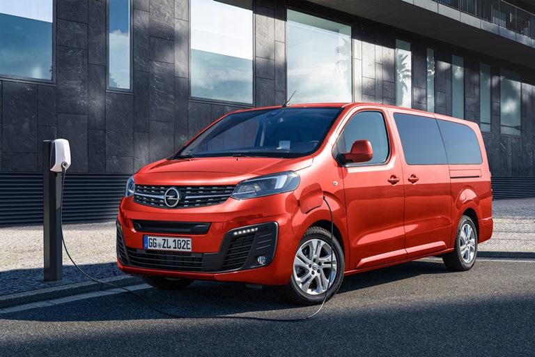 Opel Zafira-e Life: ammiraglia zero emissioni per viaggi esclusivi - image Opel-Zafira-e-512192 on https://motori.net