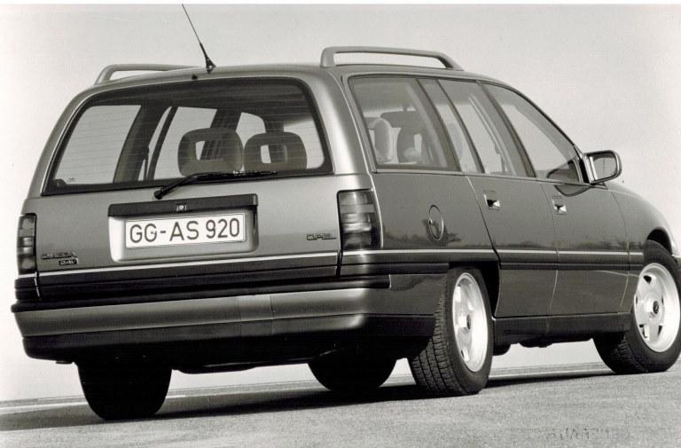 Nuovissima ultraleggera ed innovativa piattaforma McLaren - image 1990-Omega-A-3.0-24V-Top-Wagon on https://motori.net