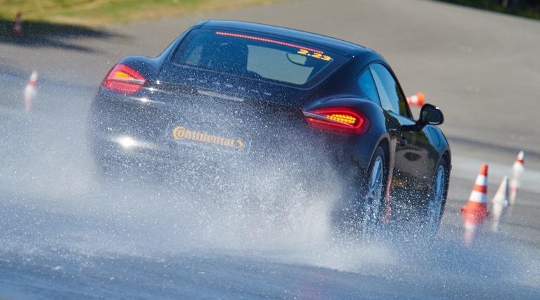 Record di autonomia: una VW ID.3 da Zwickau alla Svizzera con una sola carica - image Pioggia-estiva_aquaplaning on https://motori.net