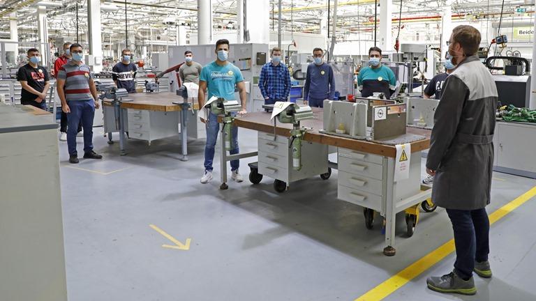 Inizio della formazione per circa 170 giovani in Opel - image Opel-Ausbildungsstart-512746 on https://motori.net