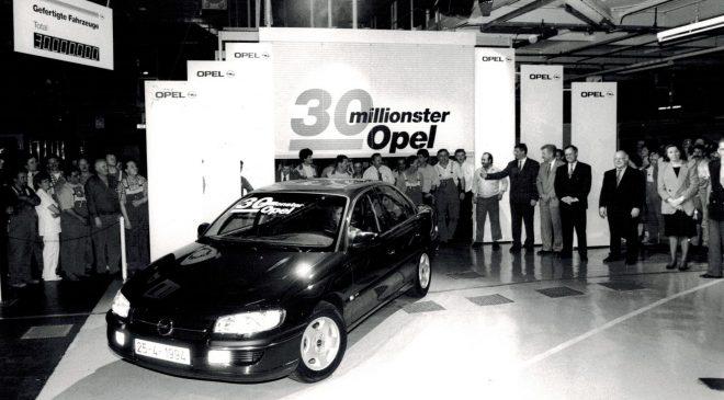 Ammiraglie Opel - image 1994-25-apr-30-mil.-Opel-Omega-MV6-660x365 on https://motori.net