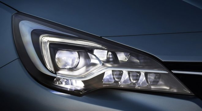 Fari IntelliLux - image 4-Opel-Astra-K-509520_0-660x365 on https://motori.net