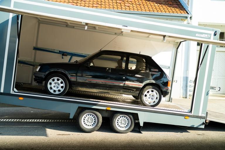 """Mini, da 20 anni originale tra le """"piccole premium"""" - image PEUGEOT-205-GTI-RESTAURATA on https://motori.net"""