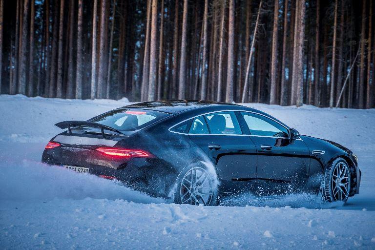 Tecnologie aerospaziali nello sviluppo Jaguar Land Rover - image auto-neve on https://motori.net