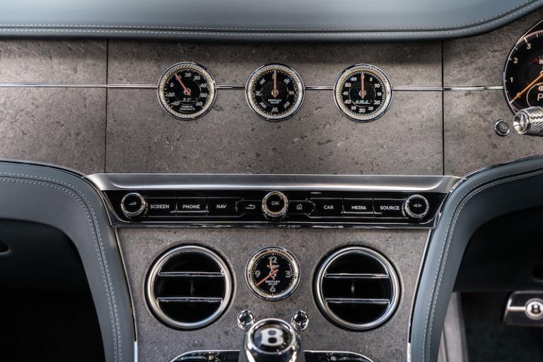 Bentley, interni adatti a ogni cliente - image beyond_wood on https://motori.net