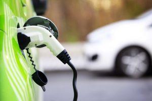 Il noleggio guida la svolta elettrica