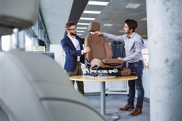 Piccolo e grande: il sedile Opel giusto per tutti - image Opel-Sitzentwicklung-Stefan-Koob-501765_1 on https://motori.net