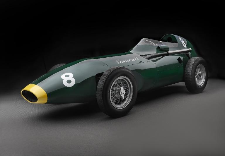 Richard Hammond ama Opel - image Vanwall-1958 on https://motori.net
