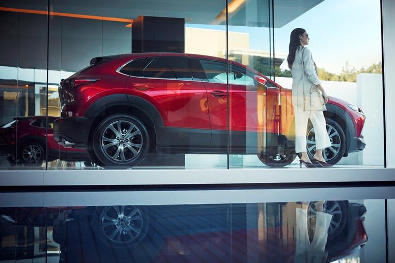 Mazda continua nell'impegno verso la neutralità al carbonio e la sicurezza di chi guida - image 2021-Mazda-CX-30 on https://motori.net