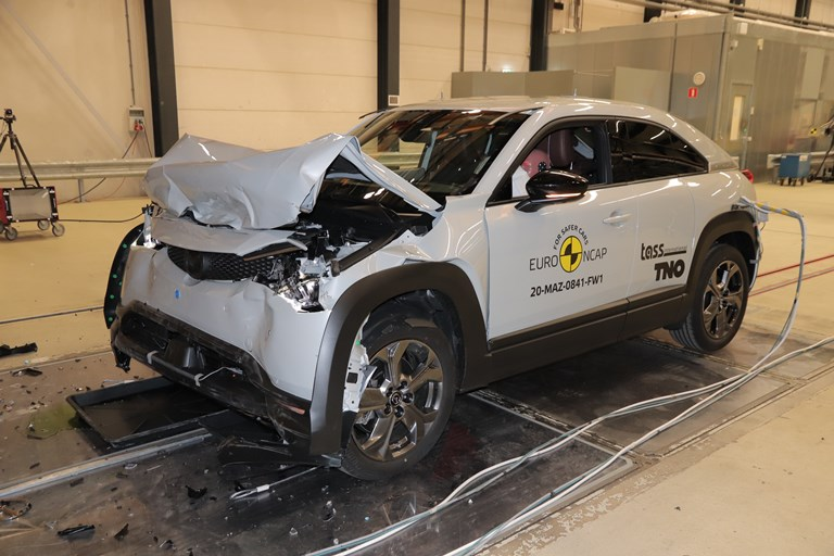 80.000 esemplari unici - image Mazda_MX-30 on https://motori.net
