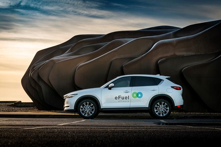 Una Swift da Motomondiale - image Mazda_eFuelAlliance on https://motori.net