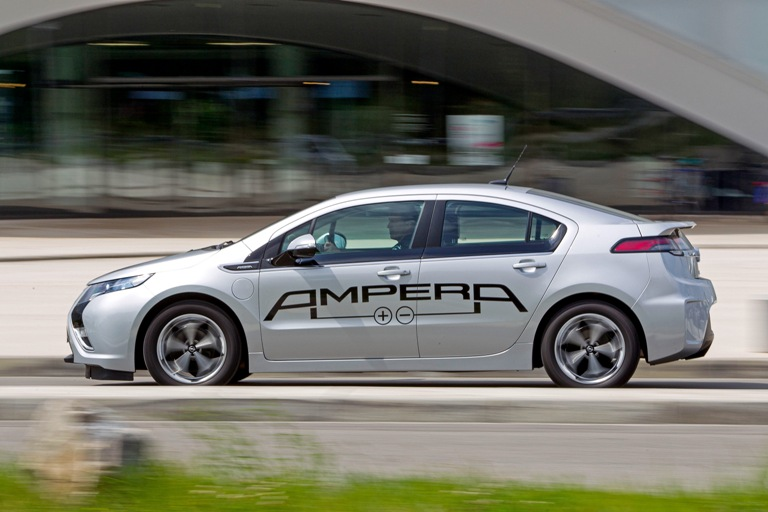 Bosch e Microsoft per una perfetta connessione tra auto e cloud - image Opel-Ampera-1 on https://motori.net