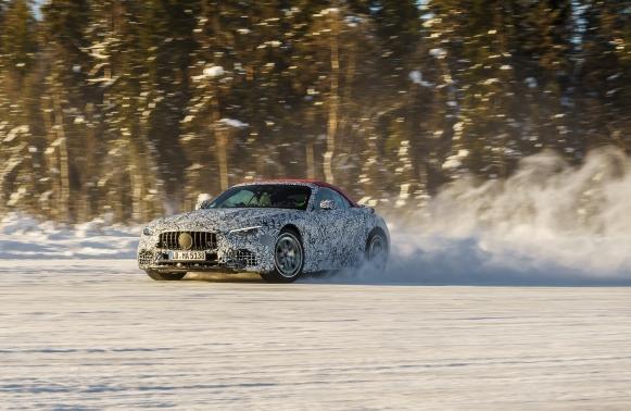 Nuovamente Mercedes-Benz SL - image nuovamercedes-benzsl1 on https://motori.net