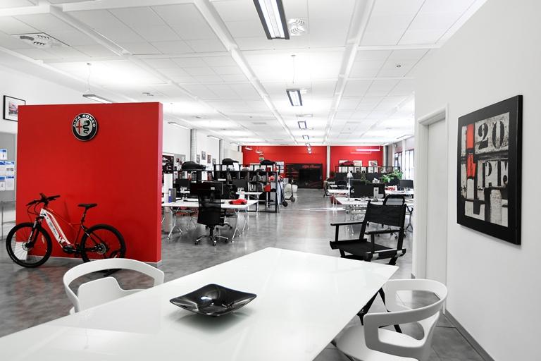 Alfa Romeo tricolore al gran premio di Monza - image Alfa-Romeo_New-Headquarter on https://motori.net