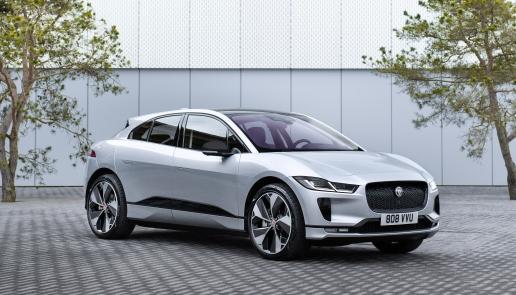 Il primo sport compact SUV dal cuore elettrico - image jag-i-pace-22my on https://motori.net