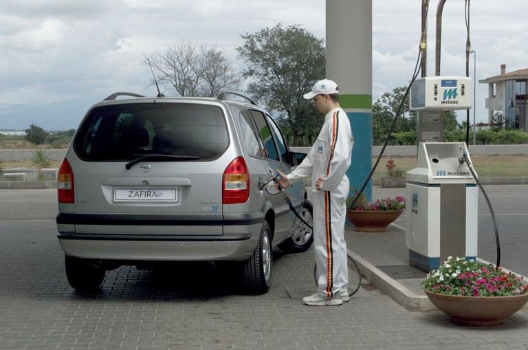 Aumentano le vendite di pneumatici Bridgestone per veicoli elettrici - image 2002-Zafira-ecoM on https://motori.net