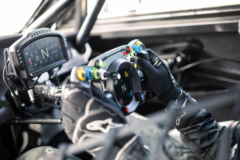 """Il prototipo Dakar 2022 """"laboratorio"""" Audi per la mobilità elettrica del futuro - image Bentley-Fanatec-GT3-Steering-Wheel on https://motori.net"""