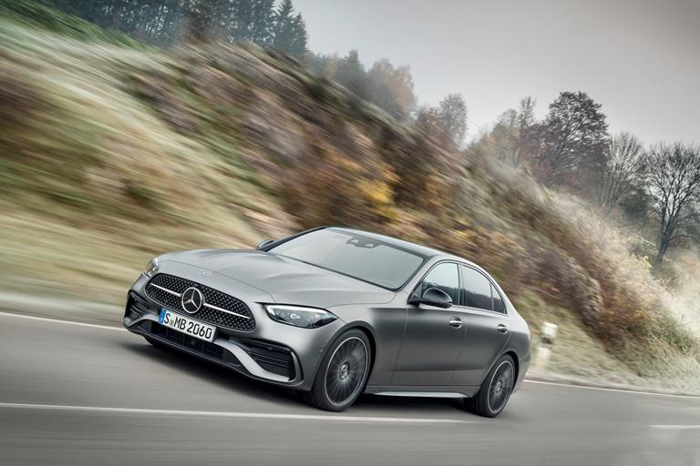 JLR prepara una Defender a fuel cell - image Mercedes-Classe-C on https://motori.net