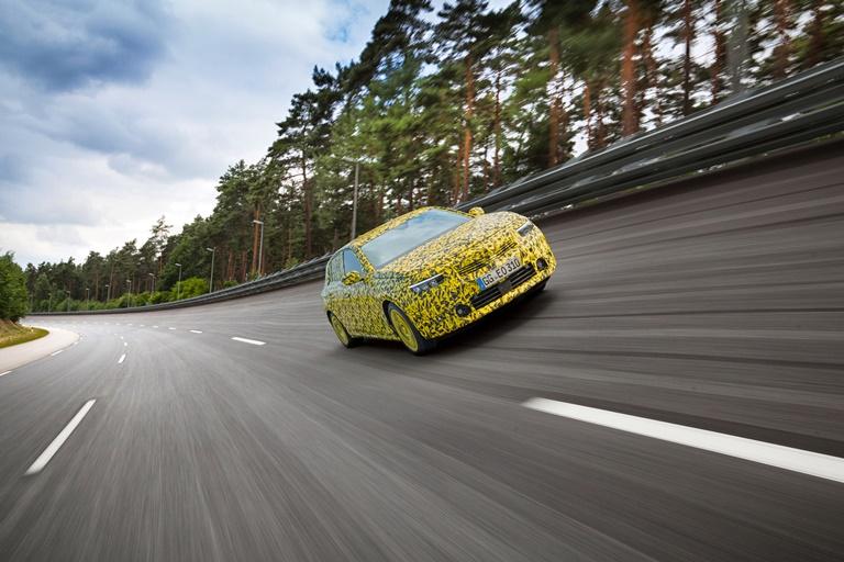 Il Bisiluro di Taruffi al Golf della Montecchia - image Opel-Astra. on https://motori.net