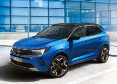 JLR prepara una Defender a fuel cell - image Opel-Grandland-Hybrid4-240x172 on https://motori.net