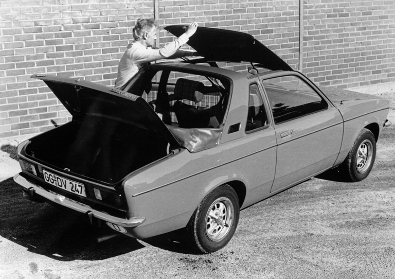 Mobilità a noleggio e in sharing in frenata - image Opel-Kadett-C-Aero on https://motori.net