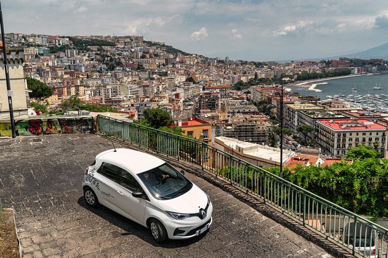 Mobilità a noleggio e in sharing in frenata - image Renault on https://motori.net