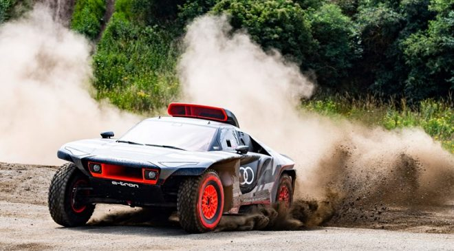 """Il prototipo Dakar 2022 """"laboratorio"""" Audi per la mobilità elettrica del futuro"""