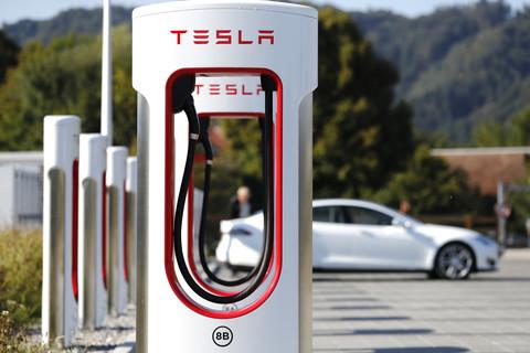 120 anni di automobili Opel - image Supercharger_Tesla on https://motori.net