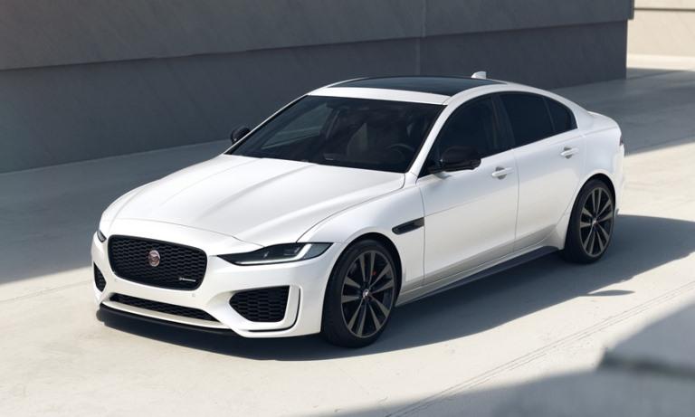 Jaguar migliora XF e XE R-Dynamic Black - image Jag_XE_22MY_01_R-Dynamic_Black_Front on https://motori.net
