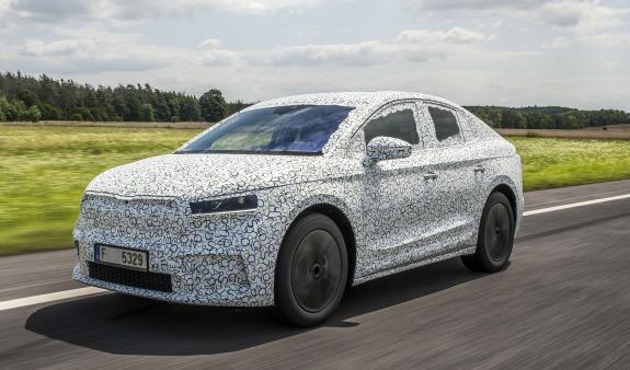 Anteprima mondiale: Renault Megane E-Tech - image ENYAQ-COUPE-VGI-1 on https://motori.net