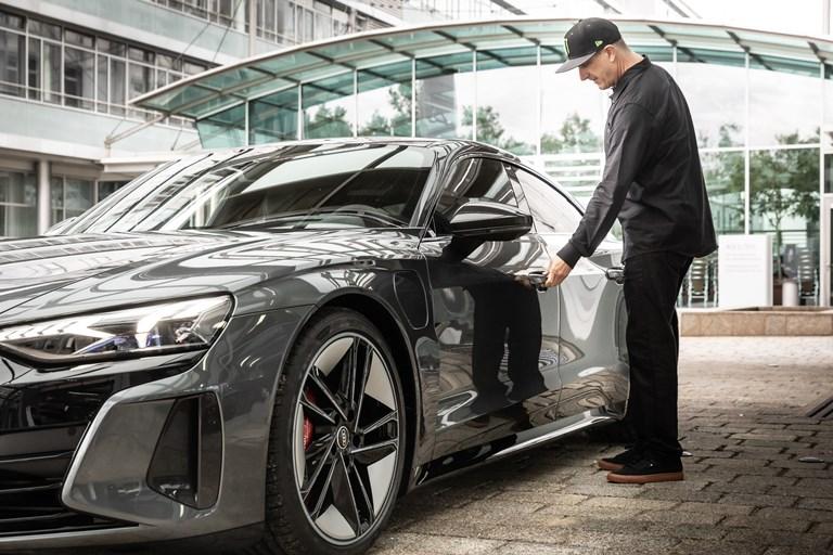 Novità in arrivo su Peugeot 508 - image Ken-Block-e-Audi-RS-e-tron-GT-VGI-U.O.-Responsabile-VA-5-Data-di-Creazione-02.09.2021-Classe-9.1_001 on https://motori.net