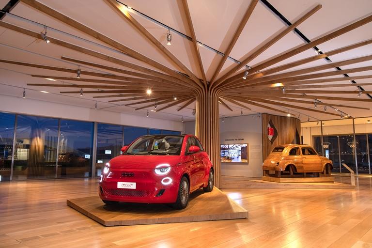 Inaugurate Casa 500 e La Pista 500 - image La-Casa-500 on https://motori.net