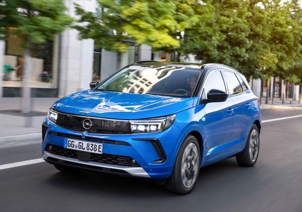 "Ispirata a ""No time to die"" - image Opel-Grandland-516689 on https://motori.net"