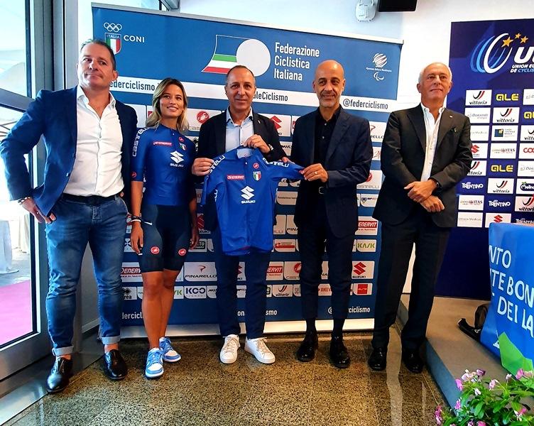 Suzuki accompagna gli Azzurri ai Mondiali di Ciclismo - image Suzuki on https://motori.net