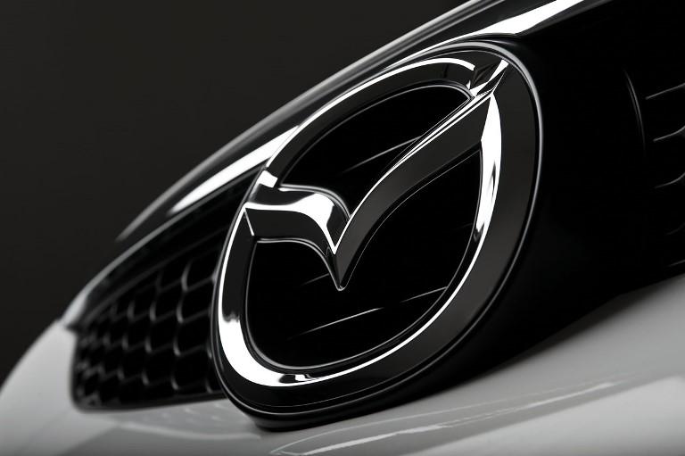 Un primo sguardo alla  nuova Range Rover - image general-logo on https://motori.net