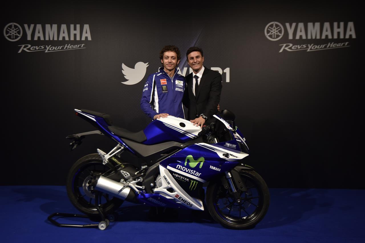 Asta per la YAMAHA YZF-R125 autografata da Rossi - image 001225-000021564 on https://moto.motori.net