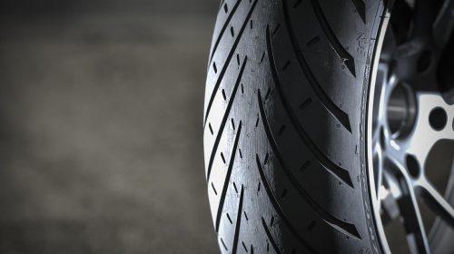 METZELER presenta a il nuovo pneumatico Sport Touring Radiale ROADTEC 01 - image 009444-000103822-500x280 on https://moto.motori.net