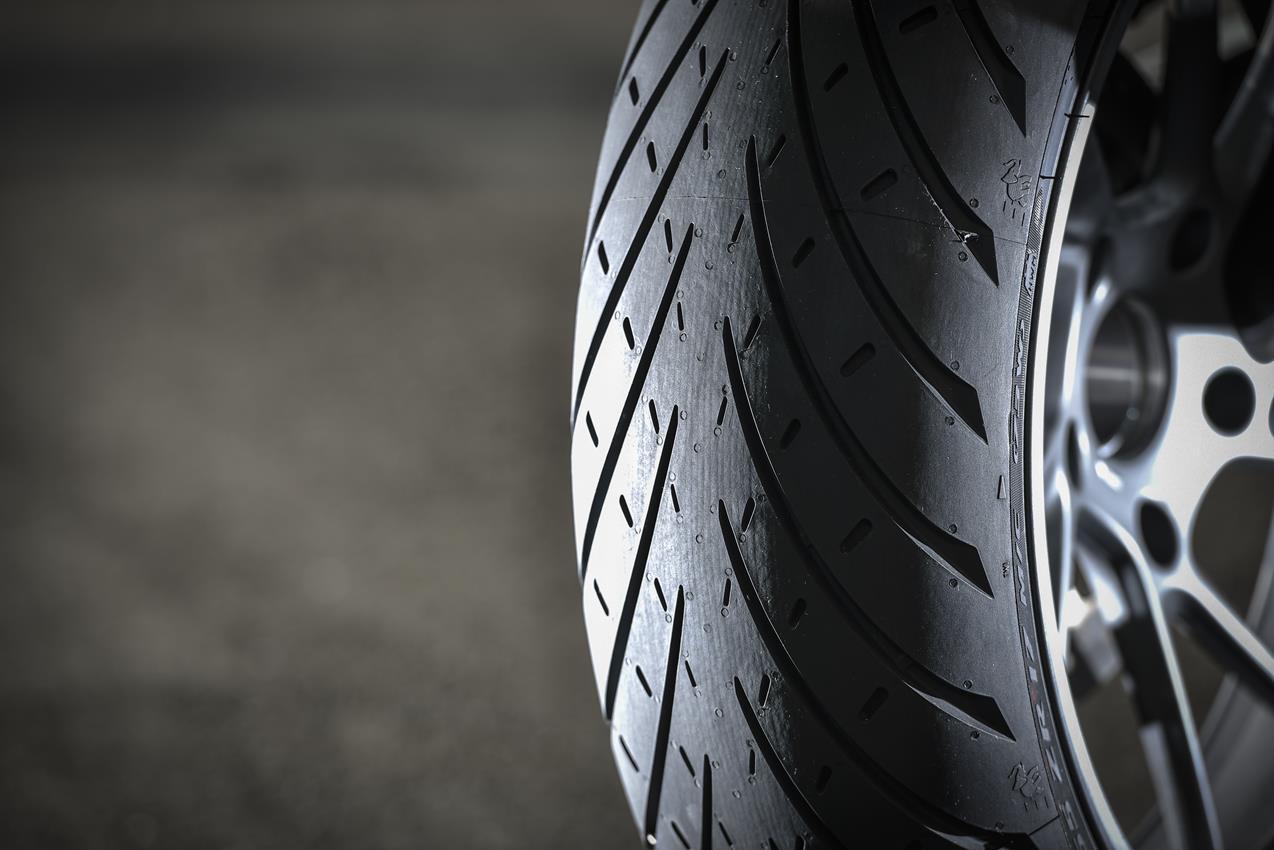 METZELER presenta a il nuovo pneumatico Sport Touring Radiale ROADTEC 01 - image 009444-000103822 on https://moto.motori.net