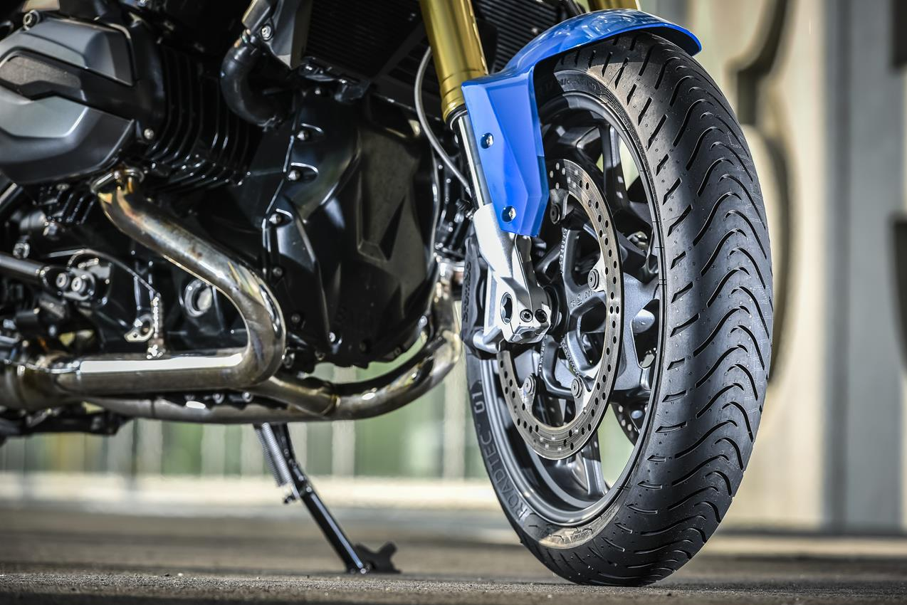 METZELER presenta a il nuovo pneumatico Sport Touring Radiale ROADTEC 01 - image 009444-000103827 on https://moto.motori.net