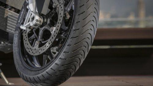 METZELER presenta a il nuovo pneumatico Sport Touring Radiale ROADTEC 01 - image 009444-000103829-500x280 on https://moto.motori.net