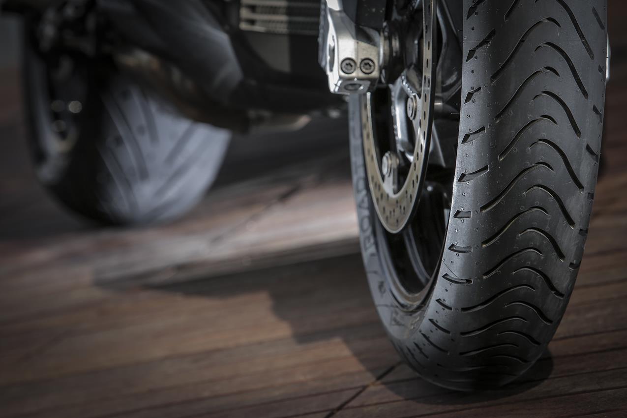 METZELER presenta a il nuovo pneumatico Sport Touring Radiale ROADTEC 01 - image 009444-000103831 on https://moto.motori.net