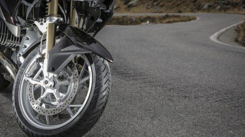 METZELER presenta a il nuovo pneumatico Sport Touring Radiale ROADTEC 01 - image 009444-000103833-500x280 on https://moto.motori.net