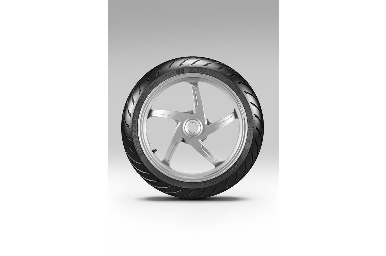 METZELER presenta a il nuovo pneumatico Sport Touring Radiale ROADTEC 01 - image 009444-000103838 on https://moto.motori.net