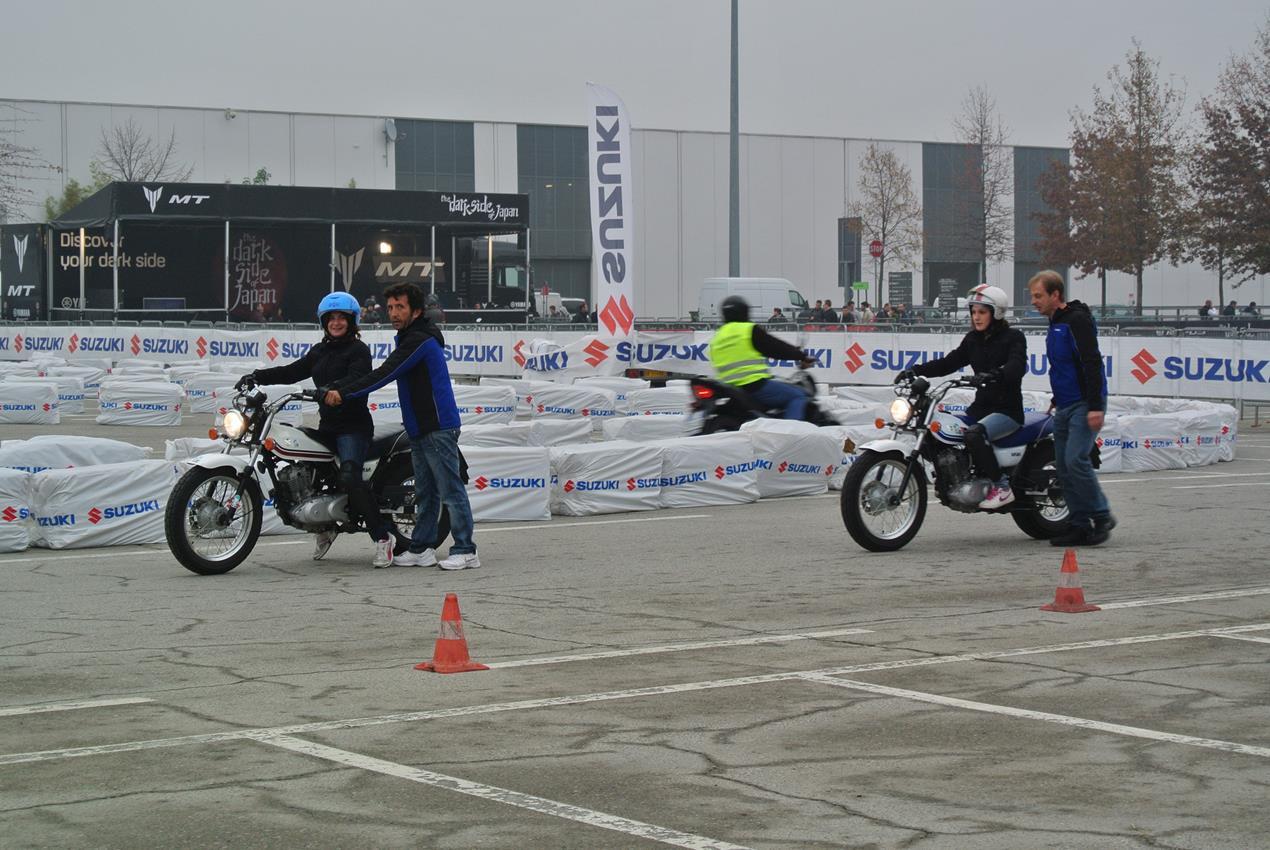 Suzuki con Donneinsella: corsi di guida moto e iniziative dedicate alle motocicliste - image 009442-000103815 on https://moto.motori.net