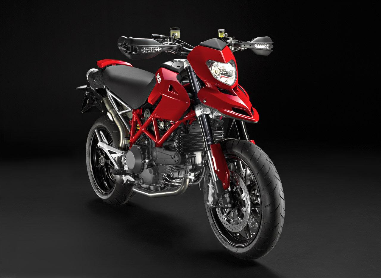 Listino Ducati Diavel Stripe Custom e Cruiser - image 14533_ducati-hypermotard1100-evo-sp on https://moto.motori.net