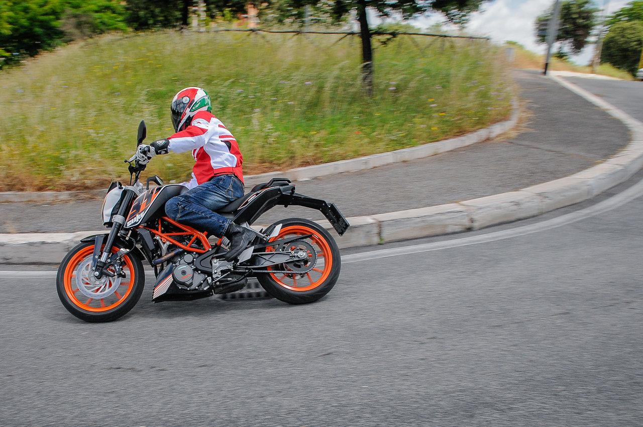 Listino Ktm Duke 125 Moto 50 e 125 - image 14794_ktm-duke390-abs on https://moto.motori.net