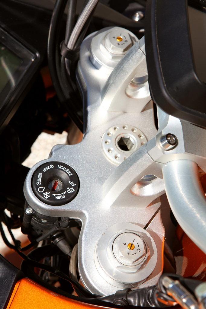 Listino Moto-Guzzi Bellagio 940 Custom e Cruiser - image 14956_moto-guzzi-stelvio1200-8v-abs on https://moto.motori.net