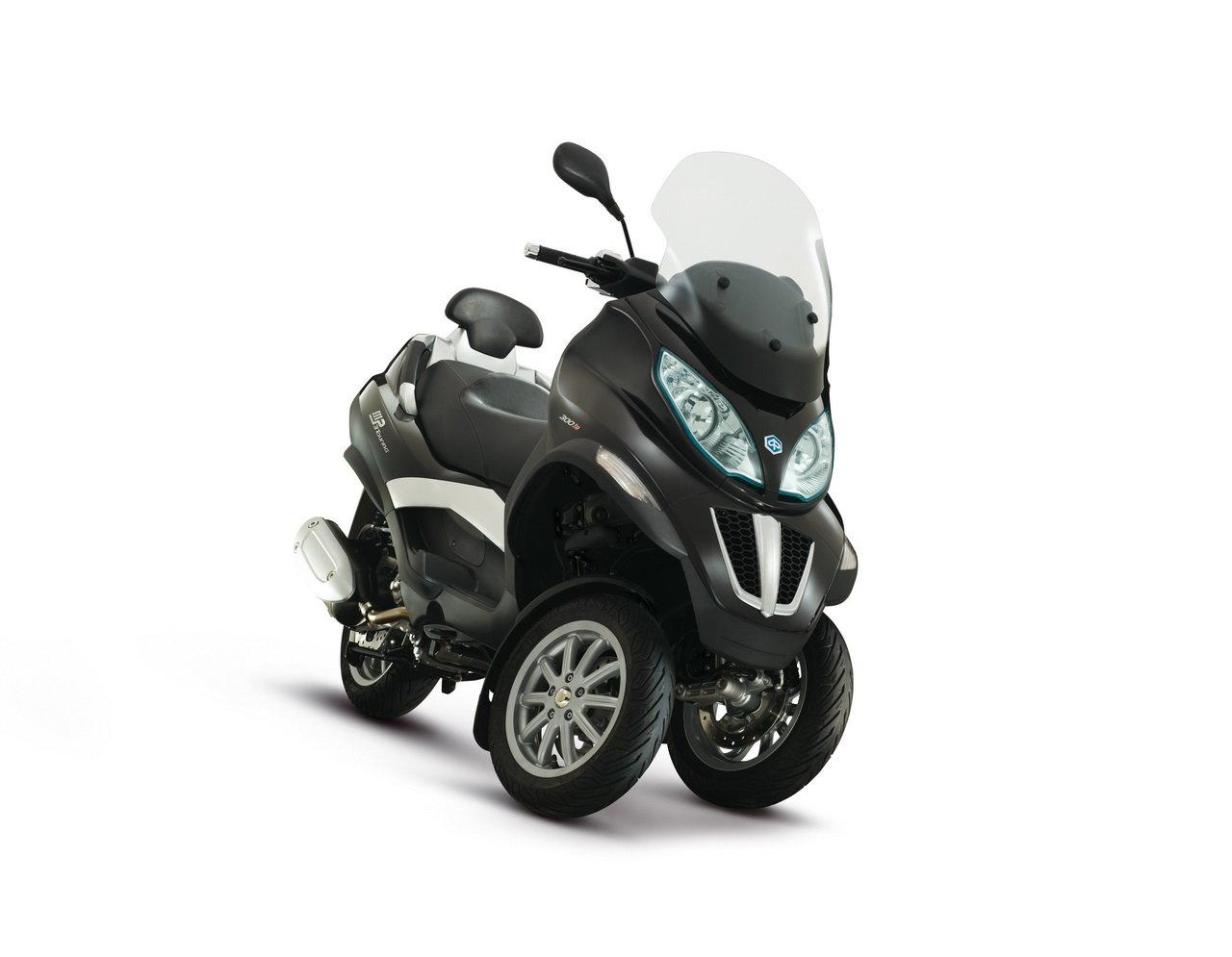 Listino Piaggio Fly 150 Scooter 150-300 - image 15100_piaggio-mp3300-ie-touring-lt on https://moto.motori.net