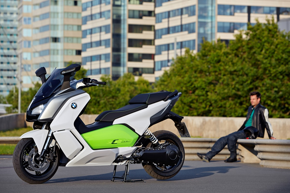 BMW Motorrad ad EICMA 2017 - image bmw-c-evolution-gallery-ufficiale_25 on https://moto.motori.net