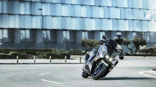 T-MAX Sport Edition: disponibile da aprile nelle concessionarie ufficiali Yamaha - image 2018_yam_xp500sxse_eu_ms1_act_004-58792-1-59173-500x280 on https://moto.motori.net